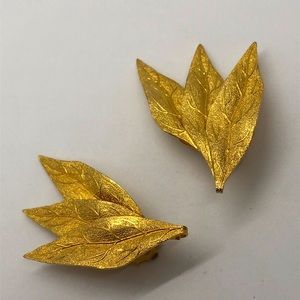 Vintage Goldtone Leaf Earrings
